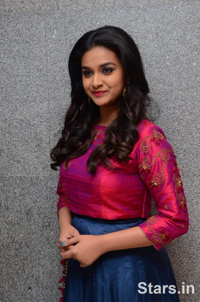 Keerthy Suresh Photos(images), Age, Family, Birthday, Biography, Height, Mother, Father, Details, Husband, Net Worth, Education, Wiki, Twitter, Facebook, Website, Imdb, Instagram (12)