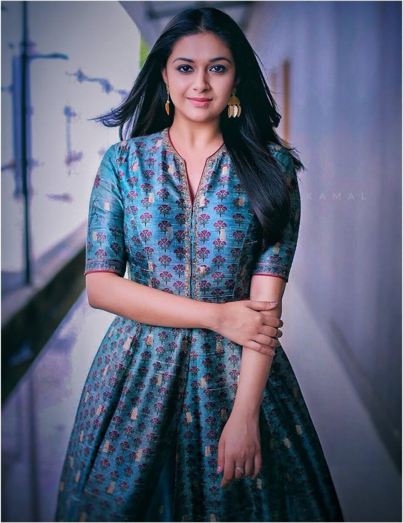 Keerthy Suresh Photos(images), Age, Family, Birthday, Biography, Height, Mother, Father, Details, Husband, Net Worth, Education, Wiki, Twitter, Facebook, Website, Imdb, Instagram (35)