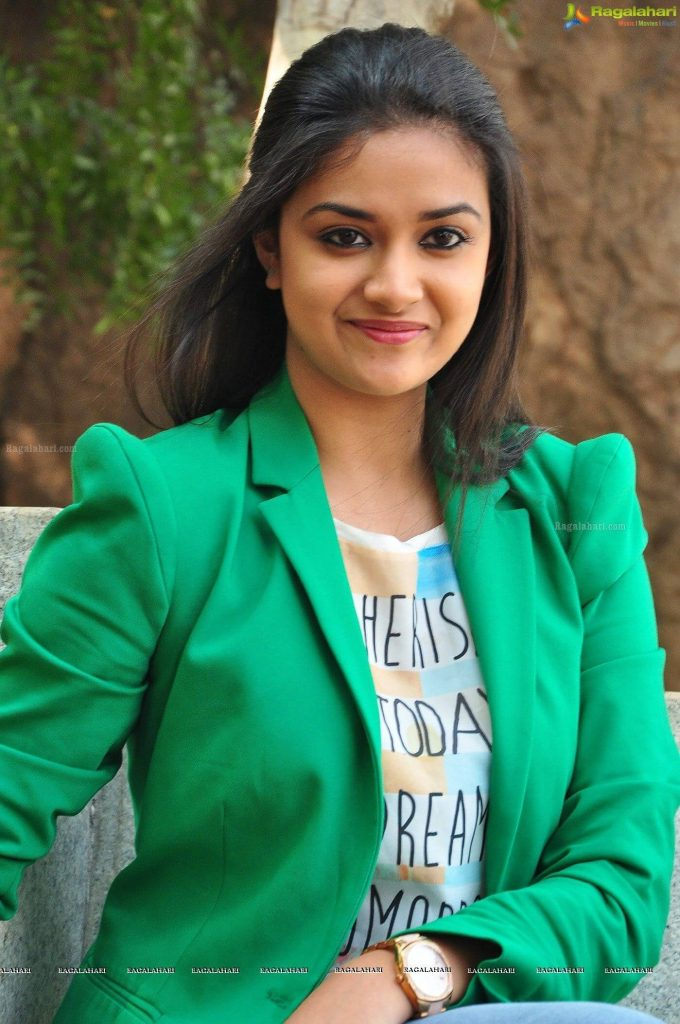 Keerthy Suresh Photos(images), Age, Family, Birthday, Biography, Height, Mother, Father, Details, Husband, Net Worth, Education, Wiki, Twitter, Facebook, Website, Imdb, Instagram (59)