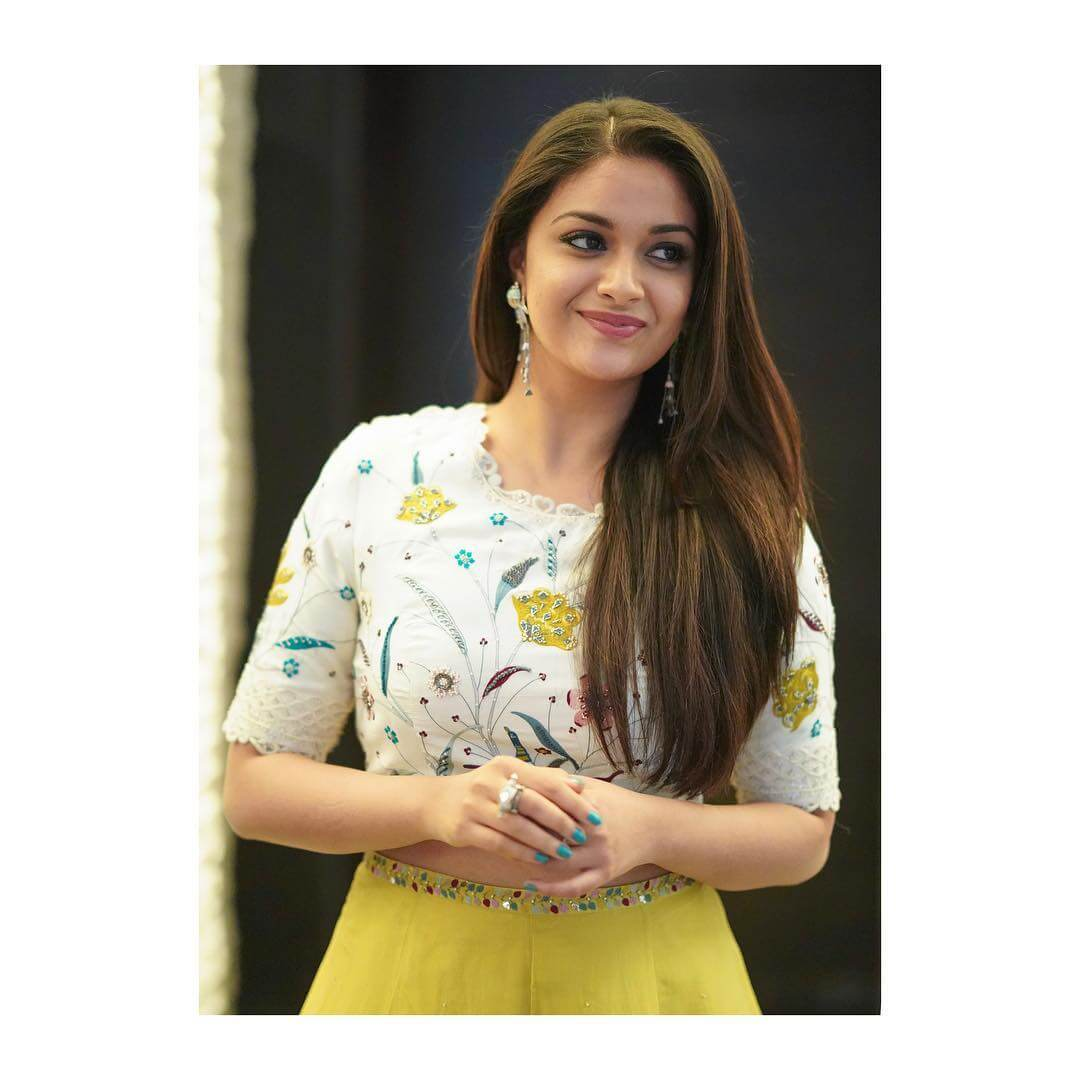 Keerthy Suresh Photos(images), Age, Family, Birthday, Biography, Height, Mother, Father, Details, Husband, Net Worth, Education, Wiki, Twitter, Facebook, Website, Imdb, Instagram (60)