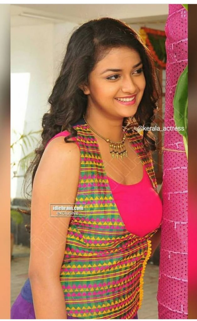 Keerthy Suresh Photos(images), Age, Family, Birthday, Biography, Height, Mother, Father, Details, Husband, Net Worth, Education, Wiki, Twitter, Facebook, Website, Imdb, Instagram (62)