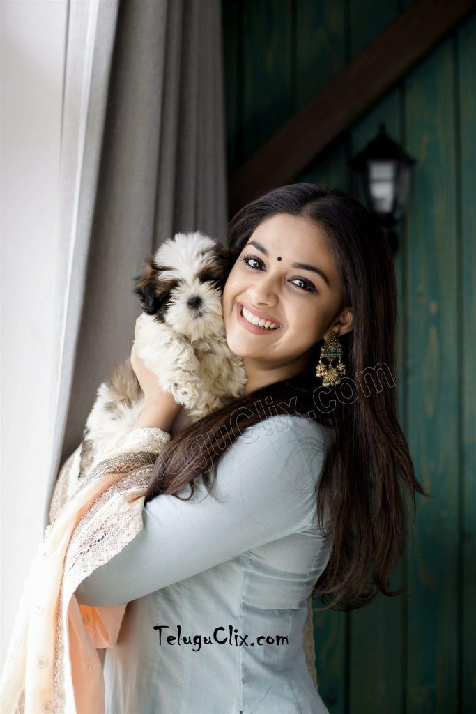Keerthy Suresh Photos(images), Age, Family, Birthday, Biography, Height, Mother, Father, Details, Husband, Net Worth, Education, Wiki, Twitter, Facebook, Website, Imdb, Instagram (72)
