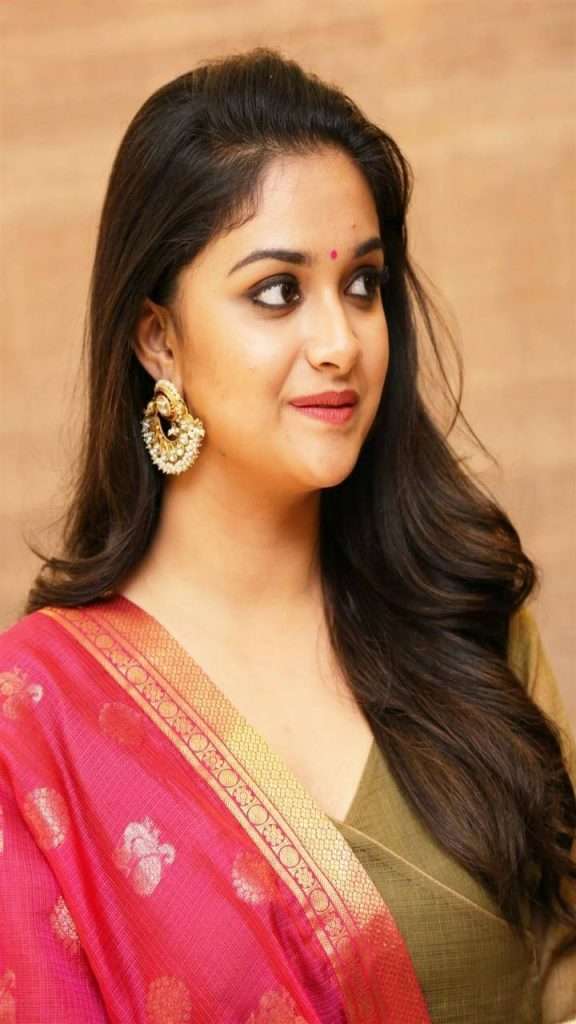 Keerthy Suresh Photos(images), Age, Family, Birthday, Biography, Height, Mother, Father, Details, Husband, Net Worth, Education, Wiki, Twitter, Facebook, Website, Imdb, Instagram (88)