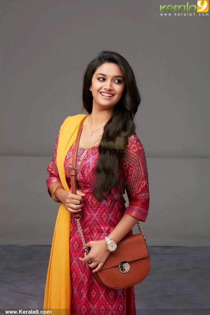 Keerthy Suresh Photos(images), Age, Family, Birthday, Biography, Height, Mother, Father, Details, Husband, Net Worth, Education, Wiki, Twitter, Facebook, Website, Imdb, Instagram (9)