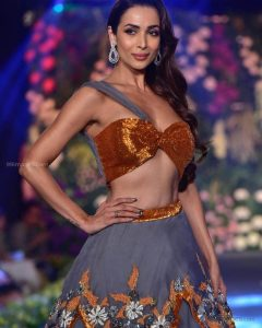 Malaika Arora Khan Biography, Husband, Age, Height, Child, Sister, Date Of Birth, Images(photo), Marriage, Net Worth, Family, Daughter, Instagram, Twitter, Wiki, Facebook, Details, Awards, Imd ( (51)
