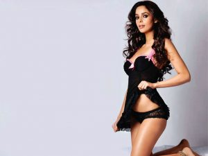 Mallika Sherawat Family, Marriage, Husband Name, Age, Height, Wallpapers, Birthday, Biography, Details, Birthplace, Instagram, Wiki, Imdb, Twitter, Youtube, Facebook, Awards, Website (17)