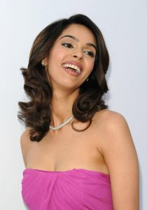 Mallika Sherawat Family, Marriage, Husband Name, Age, Height, Wallpapers, Birthday, Biography, Details, Birthplace, Instagram, Wiki, Imdb, Twitter, Youtube, Facebook, Awards, Website (35)