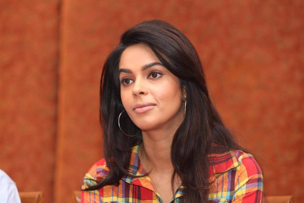 Mallika Sherawat Family, Marriage, Husband Name, Age, Height, Wallpapers, Birthday, Biography, Details, Birthplace, Instagram, Wiki, Imdb, Twitter, Youtube, Facebook, Awards, Website (40)