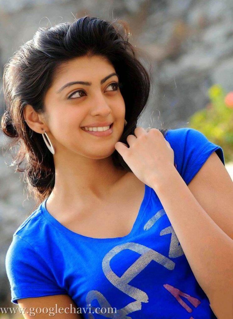 Pranitha Subhash Age, Biography, Images(photos), Family, Education, Date Of Birth, Boyfriend, Net Worth, Parents, Instagram ,facebook, Twitter, Wiki, Imdb, Youtube (26)