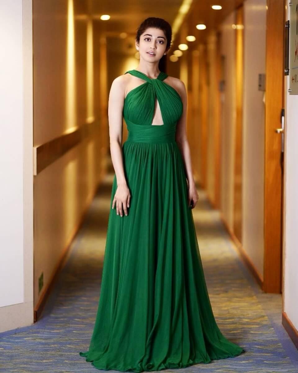 Pranitha Subhash Age, Biography, Images(photos), Family, Education, Date Of Birth, Boyfriend, Net Worth, Parents, Instagram ,facebook, Twitter, Wiki, Imdb, Youtube (44)