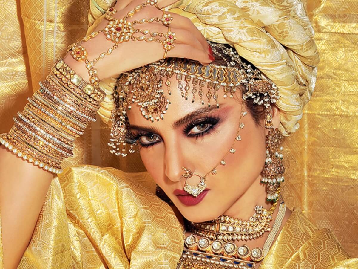 Rekha Age, Husband, Photos(images), Biography, Date Of Birth, Family, Height, Net Worth, Children, Wiki, Instagram, Facebook, Twitter, Education, Youtube, Residence, Awards, Imdb (14)