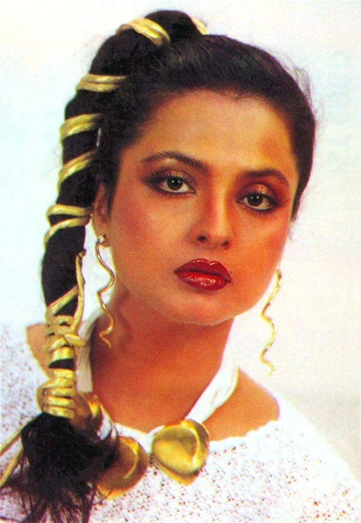 Rekha Age, Husband, Photos(images), Biography, Date Of Birth, Family, Height, Net Worth, Children, Wiki, Instagram, Facebook, Twitter, Education, Youtube, Residence, Awards, Imdb (17)