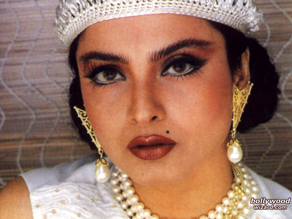 Rekha Age, Husband, Photos(images), Biography, Date Of Birth, Family, Height, Net Worth, Children, Wiki, Instagram, Facebook, Twitter, Education, Youtube, Residence, Awards, Imdb (39)