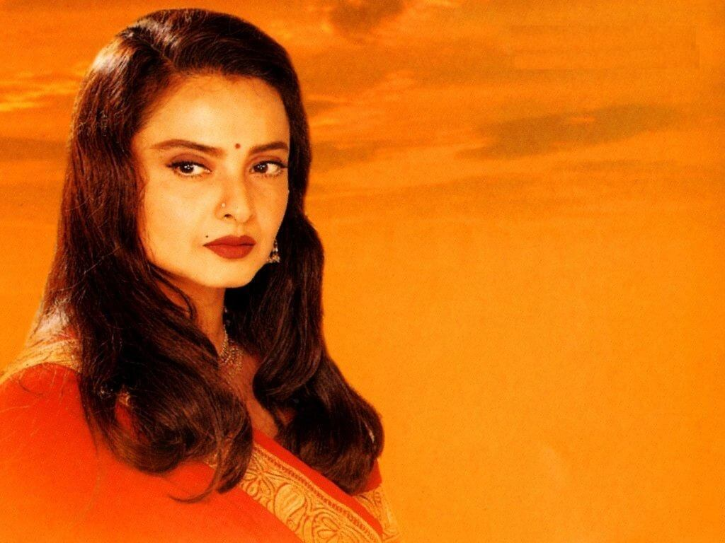 Rekha Age, Husband, Photos(images), Biography, Date Of Birth, Family, Height, Net Worth, Children, Wiki, Instagram, Facebook, Twitter, Education, Youtube, Residence, Awards, Imdb (41)