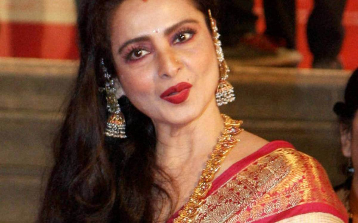 Rekha Age, Husband, Photos(images), Biography, Date Of Birth, Family, Height, Net Worth, Children, Wiki, Instagram, Facebook, Twitter, Education, Youtube, Residence, Awards, Imdb (48)