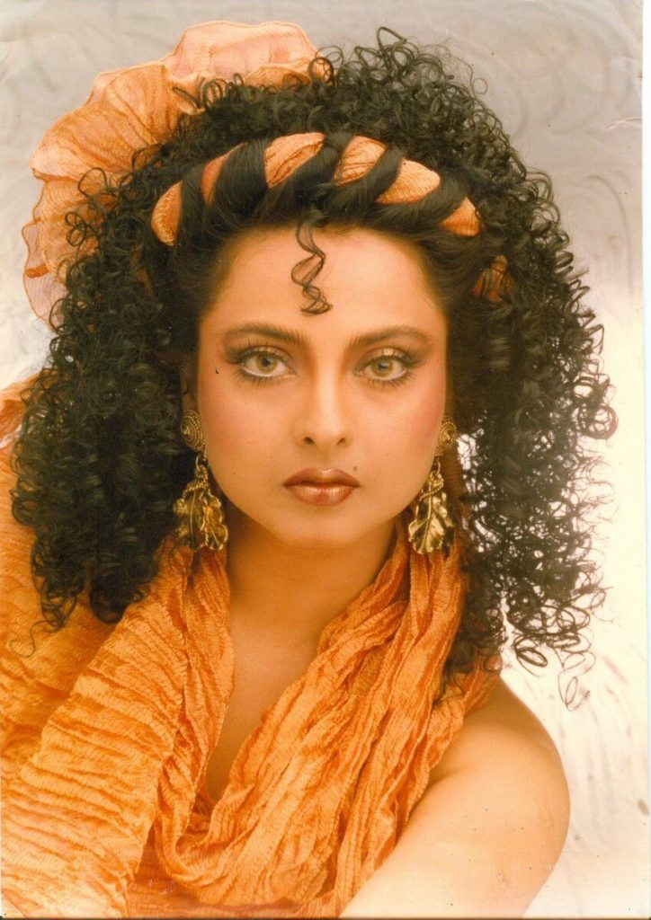 Rekha Age, Husband, Photos(images), Biography, Date Of Birth, Family, Height, Net Worth, Children, Wiki, Instagram, Facebook, Twitter, Education, Youtube, Residence, Awards, Imdb (9)