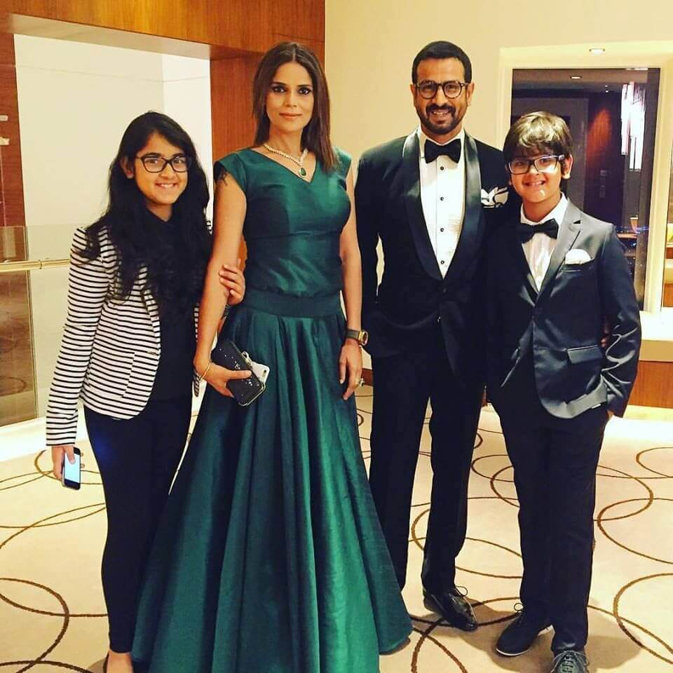 Ronit Roy Age, Wife, Brother, Daughter, Net Worth, Family, Biography, Height, Date Of Birth, Son, Wiki, Twitter, Image(photos), Awards, Facebook, Instagram, Imdb (3) (1)
