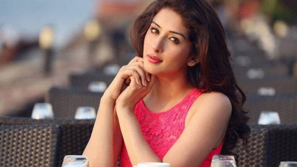 Sameksha Singh Actress, Age, Biography, Birthday, Family, Hd Images, Height In Feet, Husband, Images, Instagram, Spouse (22)