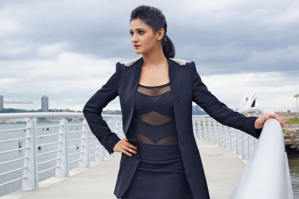 Shakti Mohan Age, Sisters, Husband, Dancer, Biography, Family, Height, Image(photos), Date Of Birth, Net Worth, Twitter, Facebook, Wiki, Haircut, Instagram, Imdb, Youtube (20)
