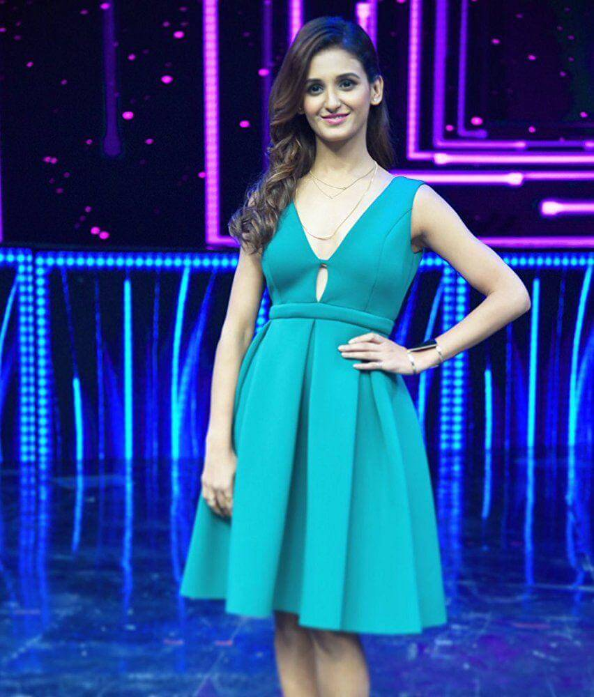 Shakti Mohan Age, Sisters, Husband, Dancer, Biography, Family, Height, Image(photos), Date Of Birth, Net Worth, Twitter, Facebook, Wiki, Haircut, Instagram, Imdb, Youtube (32)