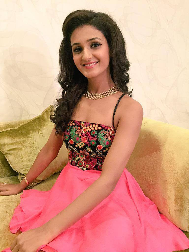 Shakti Mohan Age, Sisters, Husband, Dancer, Biography, Family, Height, Image(photos), Date Of Birth, Net Worth, Twitter, Facebook, Wiki, Haircut, Instagram, Imdb, Youtube (33)