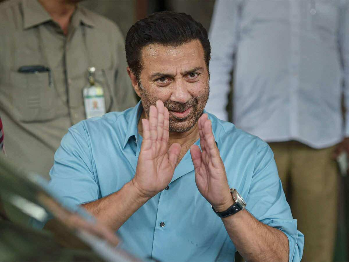 Sunny Deol Age, Picture(image), Son, Wife, Birth Date, Family, Net Worth, Height, Biography, Child, Father, Brother, Education, Twitter, Wiki, Instagram, Youtube, Facebook, Imdb, Website (19)