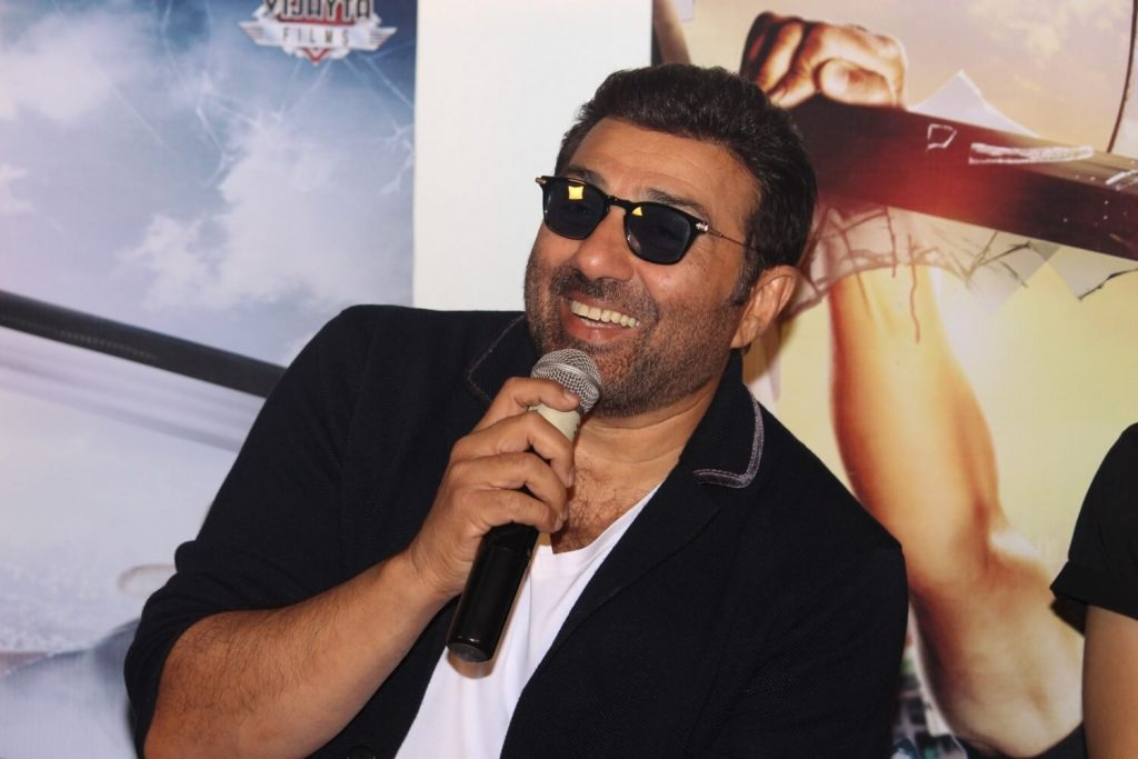 Sunny Deol Age, Picture(image), Son, Wife, Birth Date, Family, Net Worth, Height, Biography, Child, Father, Brother, Education, Twitter, Wiki, Instagram, Youtube, Facebook, Imdb, Website (3)