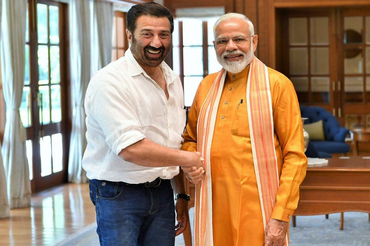 Sunny Deol Age, Picture(image), Son, Wife, Birth Date, Family, Net Worth, Height, Biography, Child, Father, Brother, Education, Twitter, Wiki, Instagram, Youtube, Facebook, Imdb, Website (58)