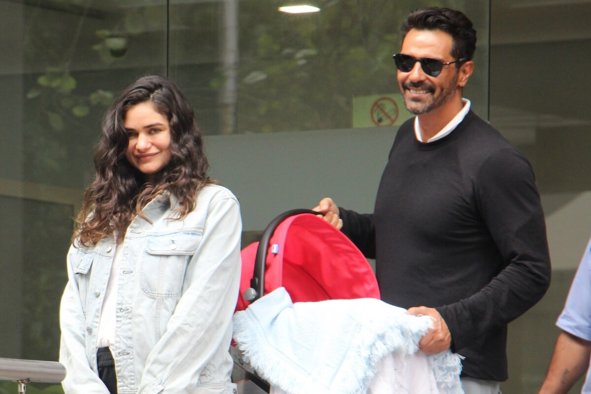 Arjun Rampal Wife, Girlfriend, Age, Daughters, Net Worth, Height, Biography, Family, Image(photo), Mother, Child, Date Of Birth, Hairstyle, Wiki, Facebook, Twitter, Instagram, Imdb (27)