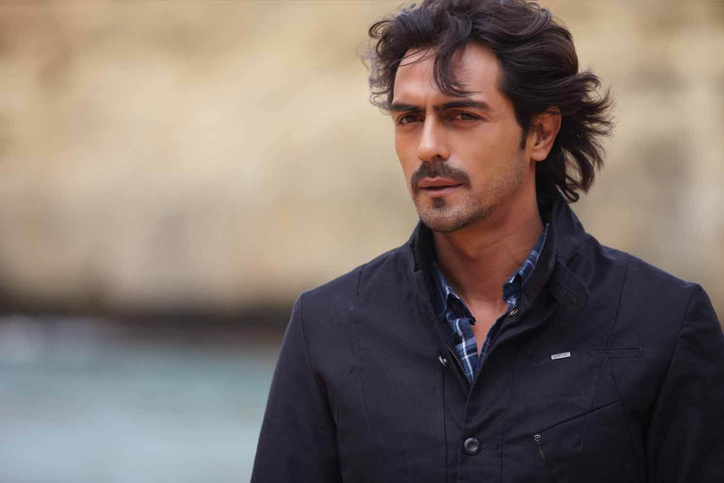 Arjun Rampal Wife, Girlfriend, Age, Daughters, Net Worth, Height, Biography, Family, Image(photo), Mother, Child, Date Of Birth, Hairstyle, Wiki, Facebook, Twitter, Instagram, Imdb (6)