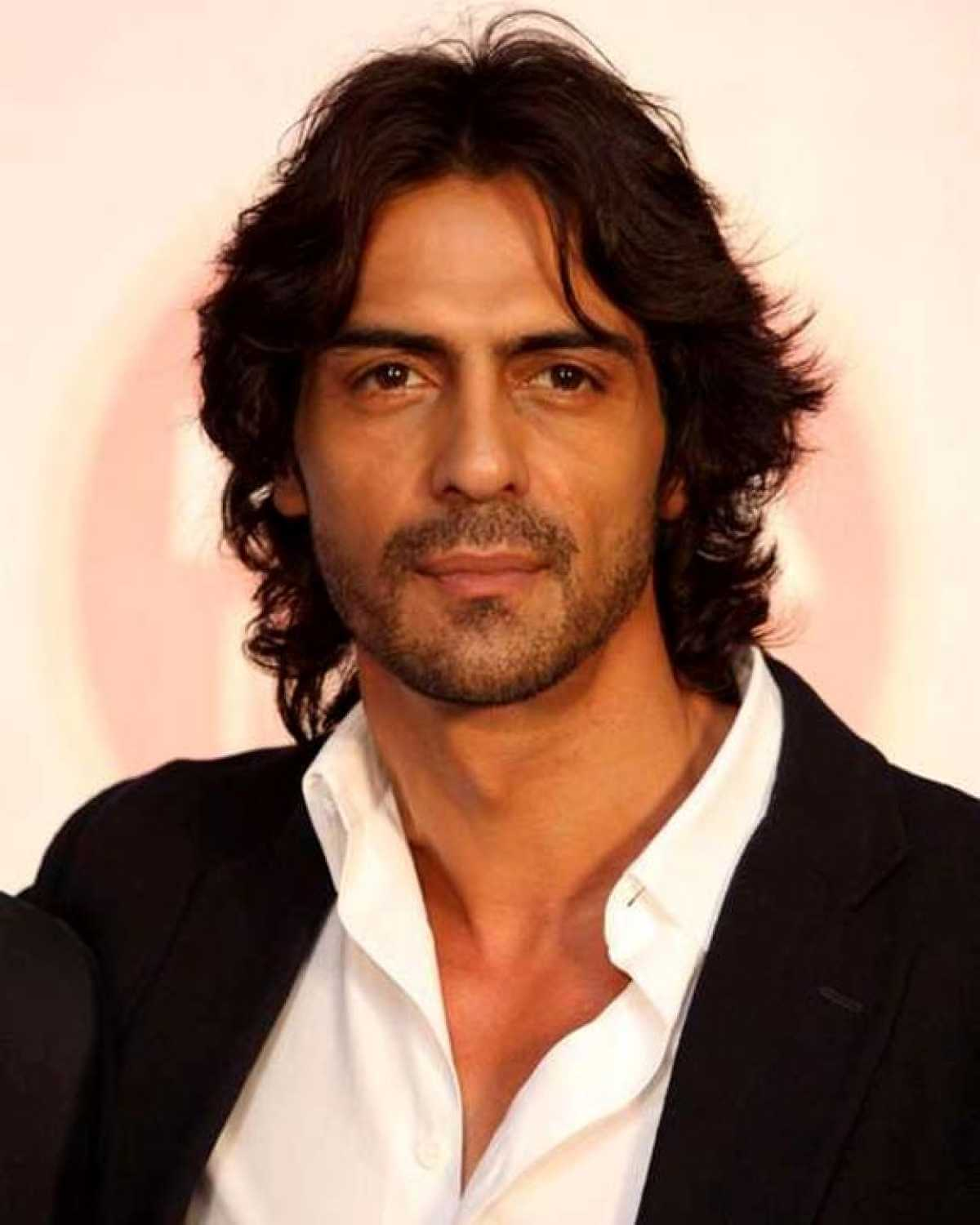 Arjun Rampal Wife, Girlfriend, Age, Daughters, Net Worth, Height, Biography, Family, Image(photo), Mother, Child, Date Of Birth, Hairstyle, Wiki, Facebook, Twitter, Instagram, Imdb (7)