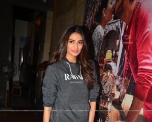 Athiya Shetty Photos(image), Age, Height, Boyfriend, Biography, Father, Education, Family, Date Of Birth, Net Worth, Details, Yoga, Wiki, Instagram, Twitter, Facebook, Imdb (10)