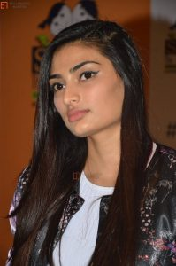 Athiya Shetty Photos(image), Age, Height, Boyfriend, Biography, Father, Education, Family, Date Of Birth, Net Worth, Details, Yoga, Wiki, Instagram, Twitter, Facebook, Imdb (23)