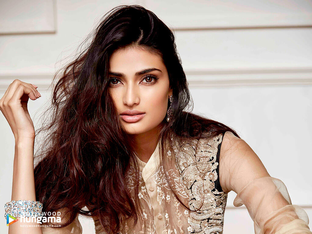 Athiya Shetty Photos(image), Age, Height, Boyfriend, Biography, Father, Education, Family, Date Of Birth, Net Worth, Details, Yoga, Wiki, Instagram, Twitter, Facebook, Imdb (34)