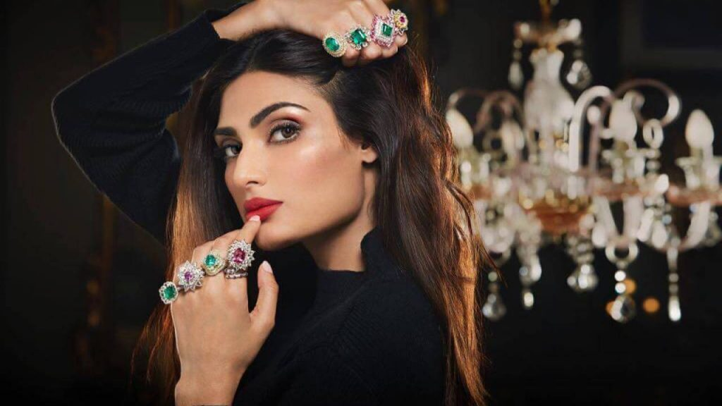 Athiya Shetty Photos(image), Age, Height, Boyfriend, Biography, Father, Education, Family, Date Of Birth, Net Worth, Details, Yoga, Wiki, Instagram, Twitter, Facebook, Imdb (50)