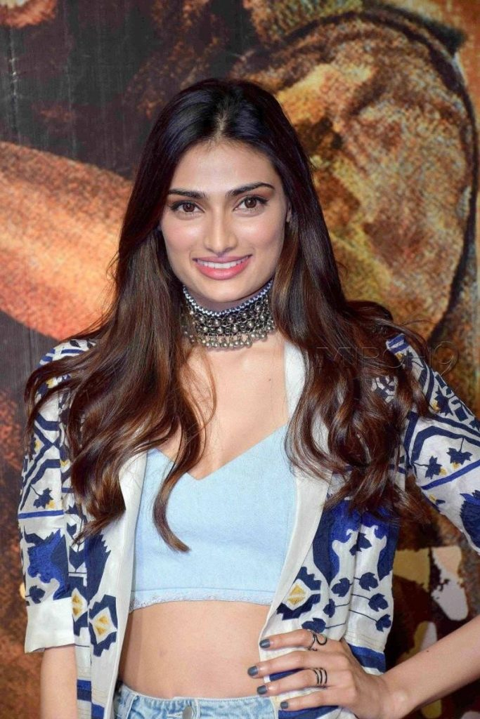 Athiya Shetty Photos(image), Age, Height, Boyfriend, Biography, Father, Education, Family, Date Of Birth, Net Worth, Details, Yoga, Wiki, Instagram, Twitter, Facebook, Imdb (52)