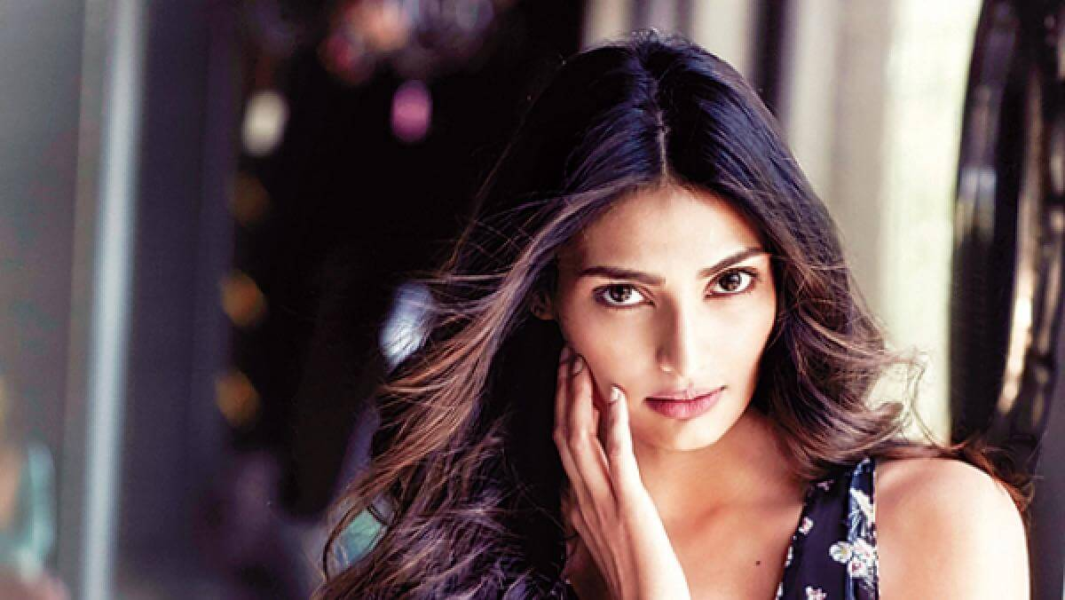 Athiya Shetty Photos(image), Age, Height, Boyfriend, Biography, Father, Education, Family, Date Of Birth, Net Worth, Details, Yoga, Wiki, Instagram, Twitter, Facebook, Imdb (7)