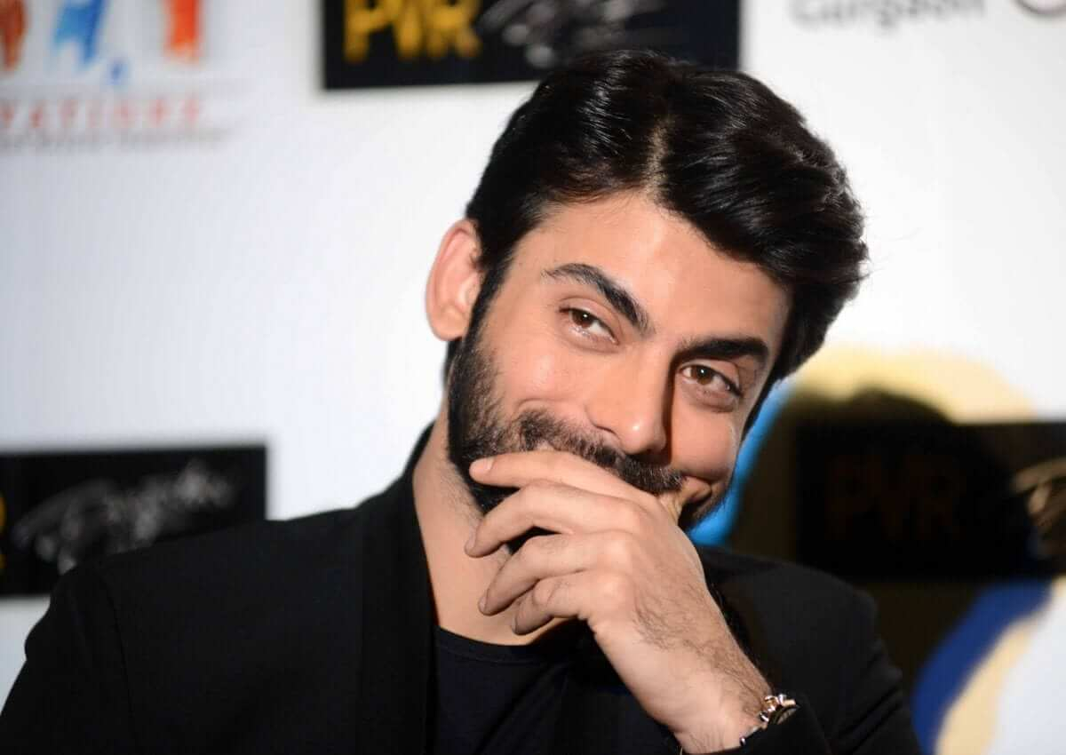Fawad Khan Wife, Age, Images(photos), Height, Beard, Net Worth, Hairstyle, Family, Biography, Birthday, Daughter, Awards, Education, News, Instagram, Wiki, Facebook, Twitter, Imdb, Website (18)