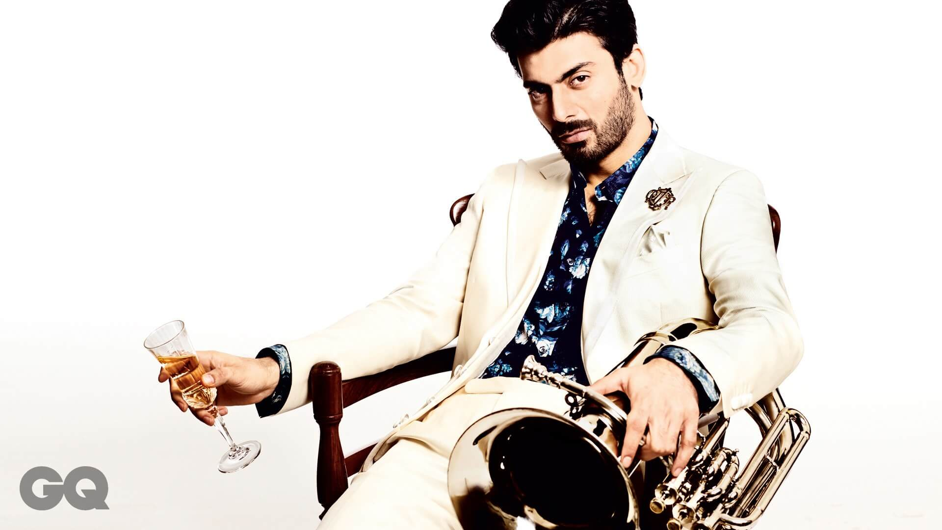 Fawad Khan Wife, Age, Images(photos), Height, Beard, Net Worth, Hairstyle, Family, Biography, Birthday, Daughter, Awards, Education, News, Instagram, Wiki, Facebook, Twitter, Imdb, Website (26)