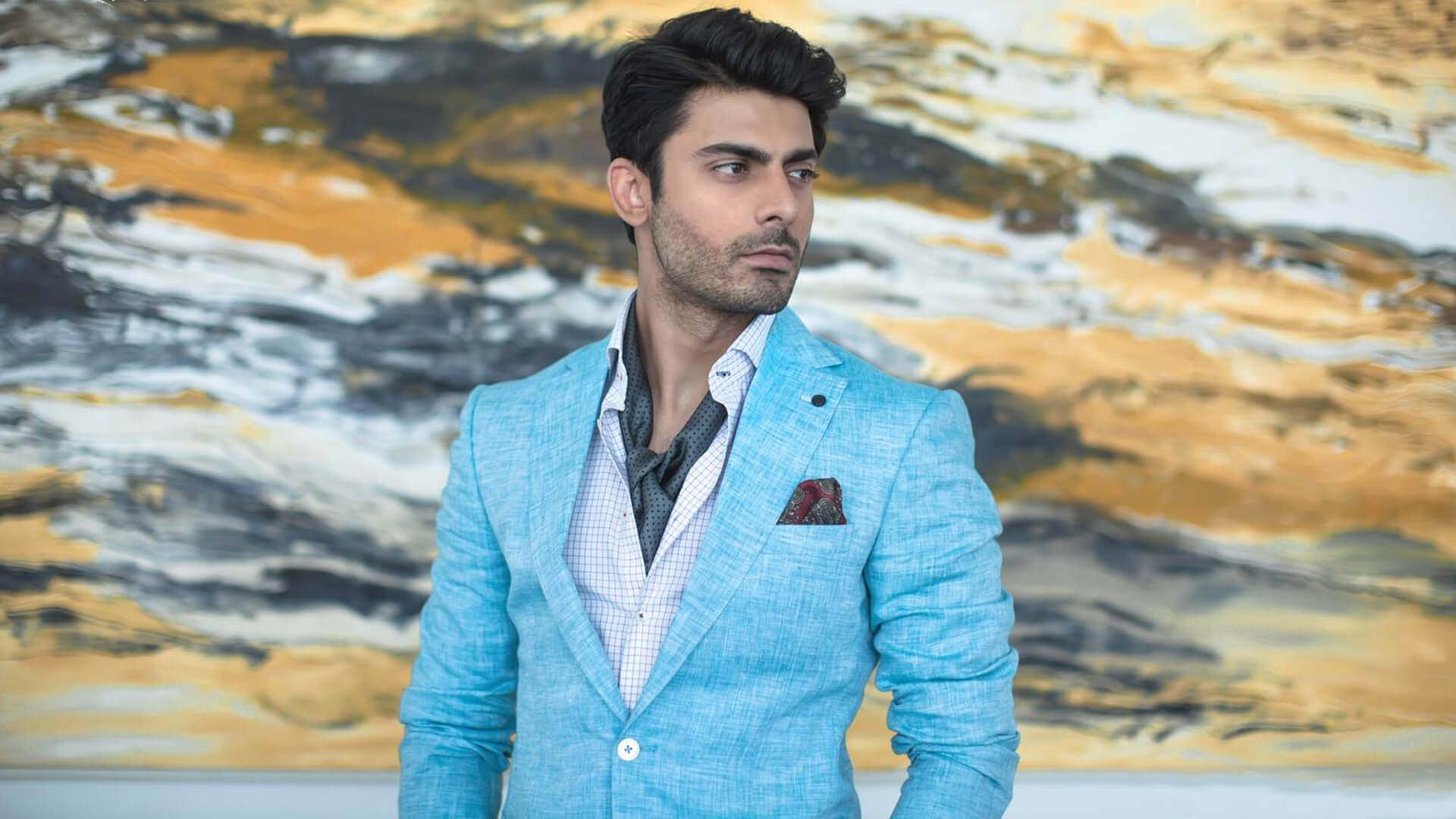 Fawad Khan Wife, Age, Images(photos), Height, Beard, Net Worth, Hairstyle, Family, Biography, Birthday, Daughter, Awards, Education, News, Instagram, Wiki, Facebook, Twitter, Imdb, Website (28)