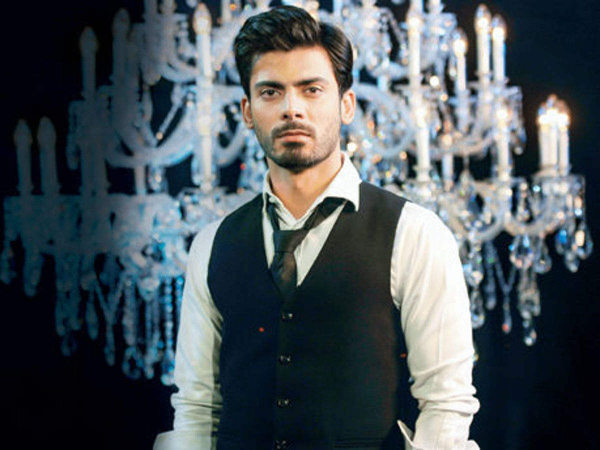 Fawad Khan Wife, Age, Images(photos), Height, Beard, Net Worth, Hairstyle, Family, Biography, Birthday, Daughter, Awards, Education, News, Instagram, Wiki, Facebook, Twitter, Imdb, Website (38)