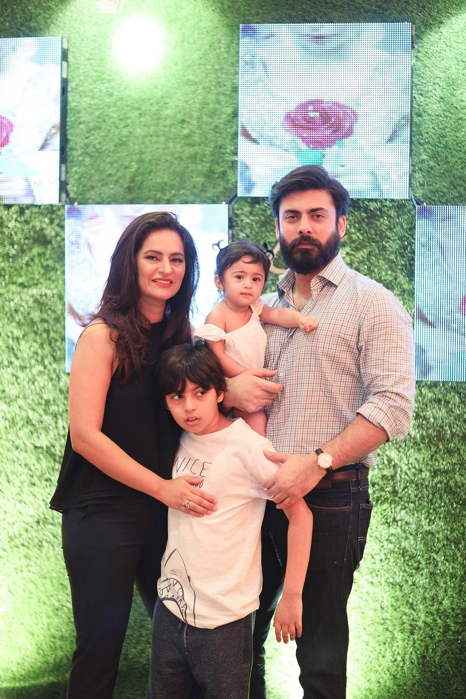 Fawad Khan Wife, Age, Images(photos), Height, Beard, Net Worth, Hairstyle, Family, Biography, Birthday, Daughter, Awards, Education, News, Instagram, Wiki, Facebook, Twitter, Imdb, Website (41)