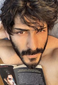 Harshvardhan Kapoor Age, Cousins, Girlfriend, Height, Image(photos), Biography, Date Of Birth, Net Worth, Education, Instagram, Wiki, Facebook, Imdb, Twitter (16)