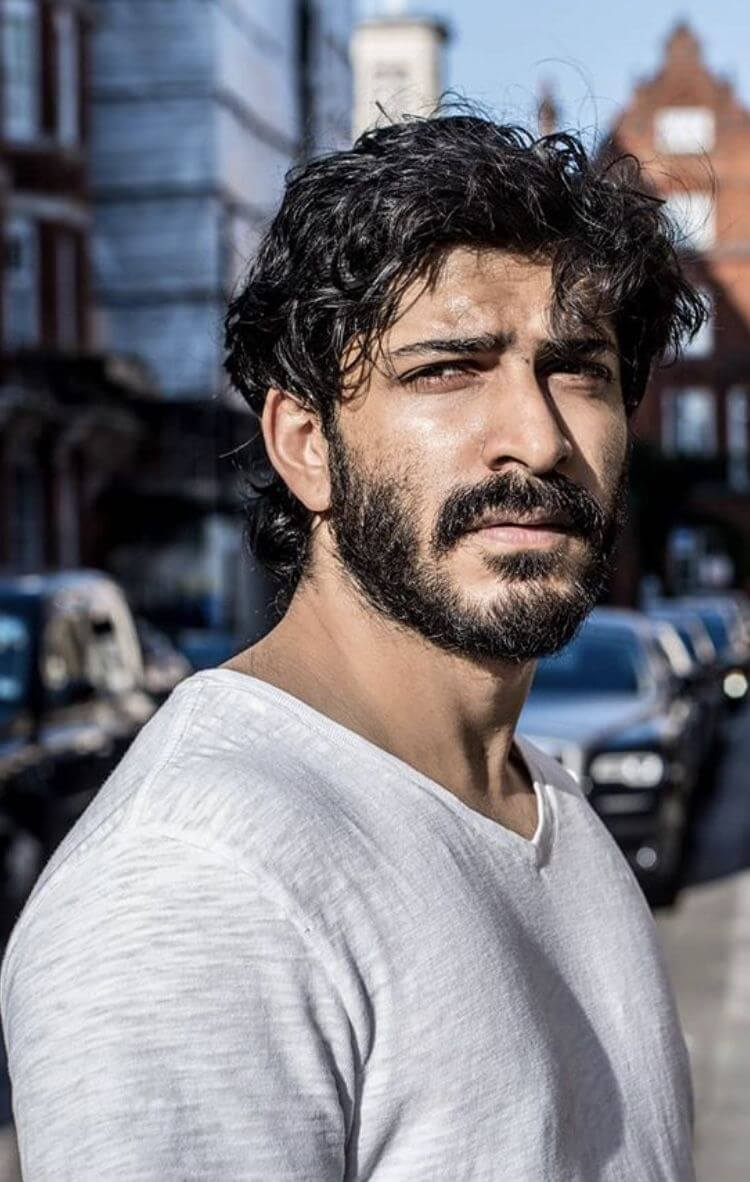 Harshvardhan Kapoor Age, Cousins, Girlfriend, Height, Image(photos), Biography, Date Of Birth, Net Worth, Education, Instagram, Wiki, Facebook, Imdb, Twitter (22)
