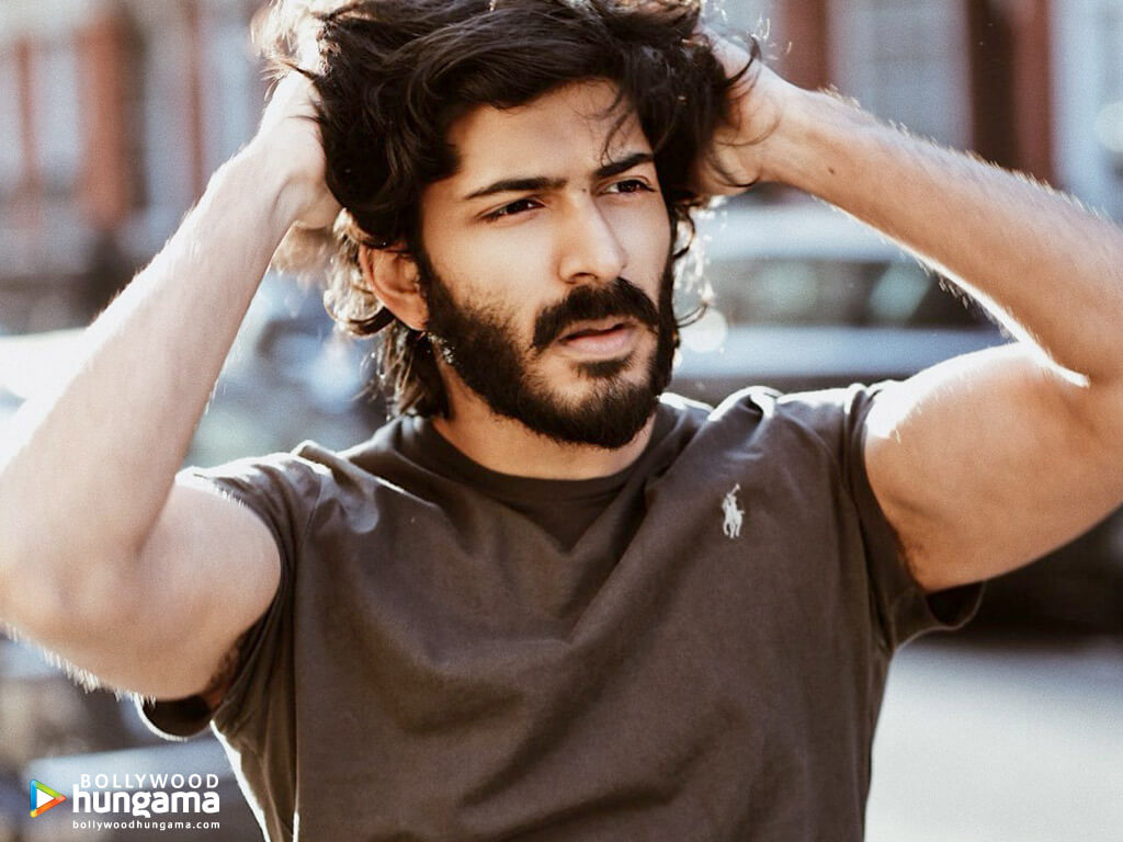 Harshvardhan Kapoor Age, Cousins, Girlfriend, Height, Image(photos), Biography, Date Of Birth, Net Worth, Education, Instagram, Wiki, Facebook, Imdb, Twitter (30)