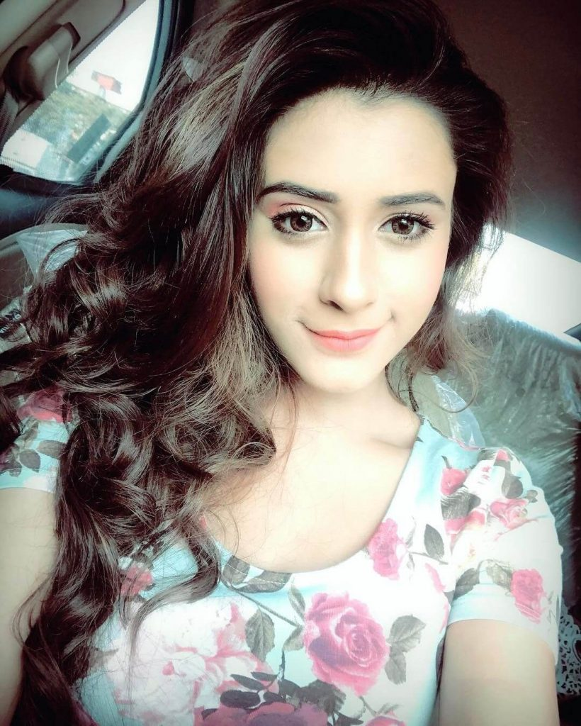 Hiba Nawab Image(photos), Biography, Age, Birthday, Husband, About, Family, Education, Net Worth, Father, Hairstyle, Awards, Instagram, Facebook, Twitter, Wiki, Youtube, Imdb (13)