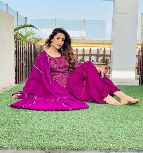 Hiba Nawab Image(photos), Biography, Age, Birthday, Husband, About, Family, Education, Net Worth, Father, Hairstyle, Awards, Instagram, Facebook, Twitter, Wiki, Youtube, Imdb (16)