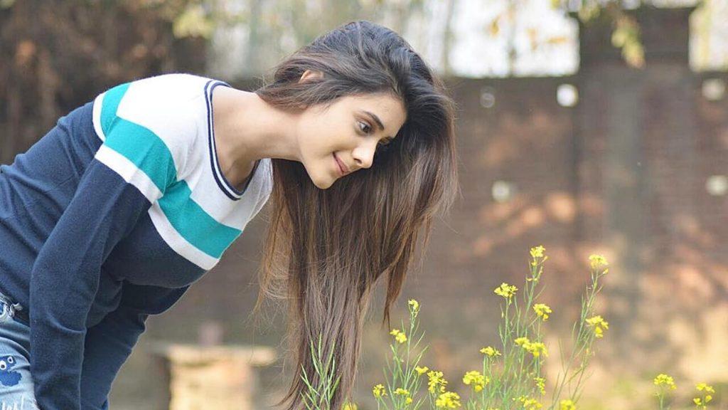 Hiba Nawab Image(photos), Biography, Age, Birthday, Husband, About, Family, Education, Net Worth, Father, Hairstyle, Awards, Instagram, Facebook, Twitter, Wiki, Youtube, Imdb (18)