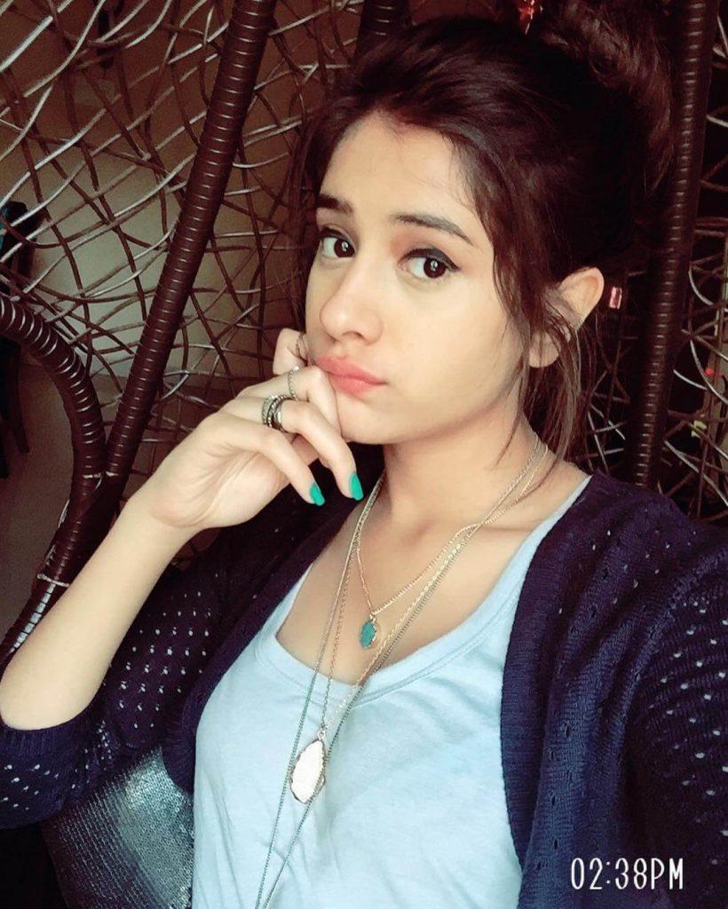 Hiba Nawab Image(photos), Biography, Age, Birthday, Husband, About, Family, Education, Net Worth, Father, Hairstyle, Awards, Instagram, Facebook, Twitter, Wiki, Youtube, Imdb (19)