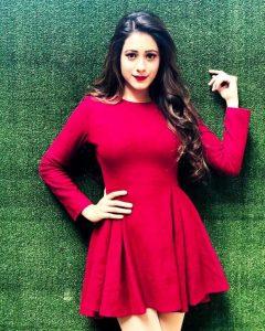 Hiba Nawab Image(photos), Biography, Age, Birthday, Husband, About, Family, Education, Net Worth, Father, Hairstyle, Awards, Instagram, Facebook, Twitter, Wiki, Youtube, Imdb (3)